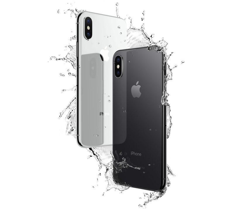 Apple iPhone X in water
