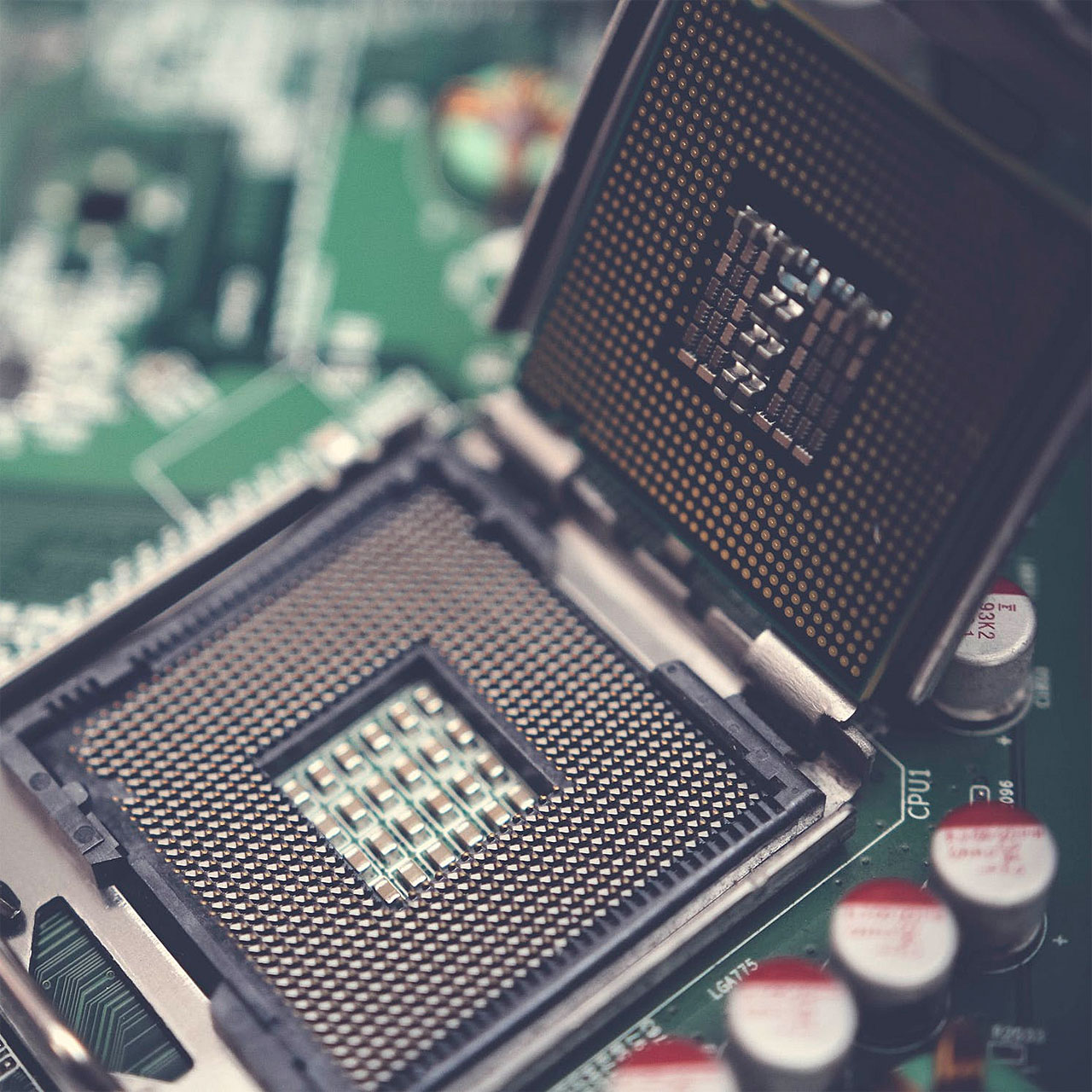 How to Choose and Install CPU Featured
